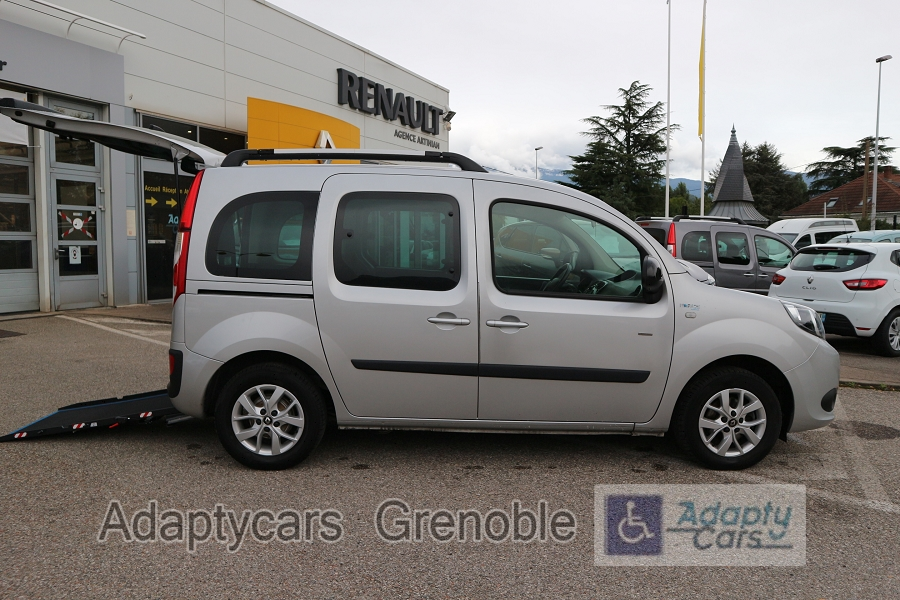 RENAULT | KANGOO II HANDICAPE | 1.5 DCI 90CH ENERGY NOUVELLE LIMITED TPMR